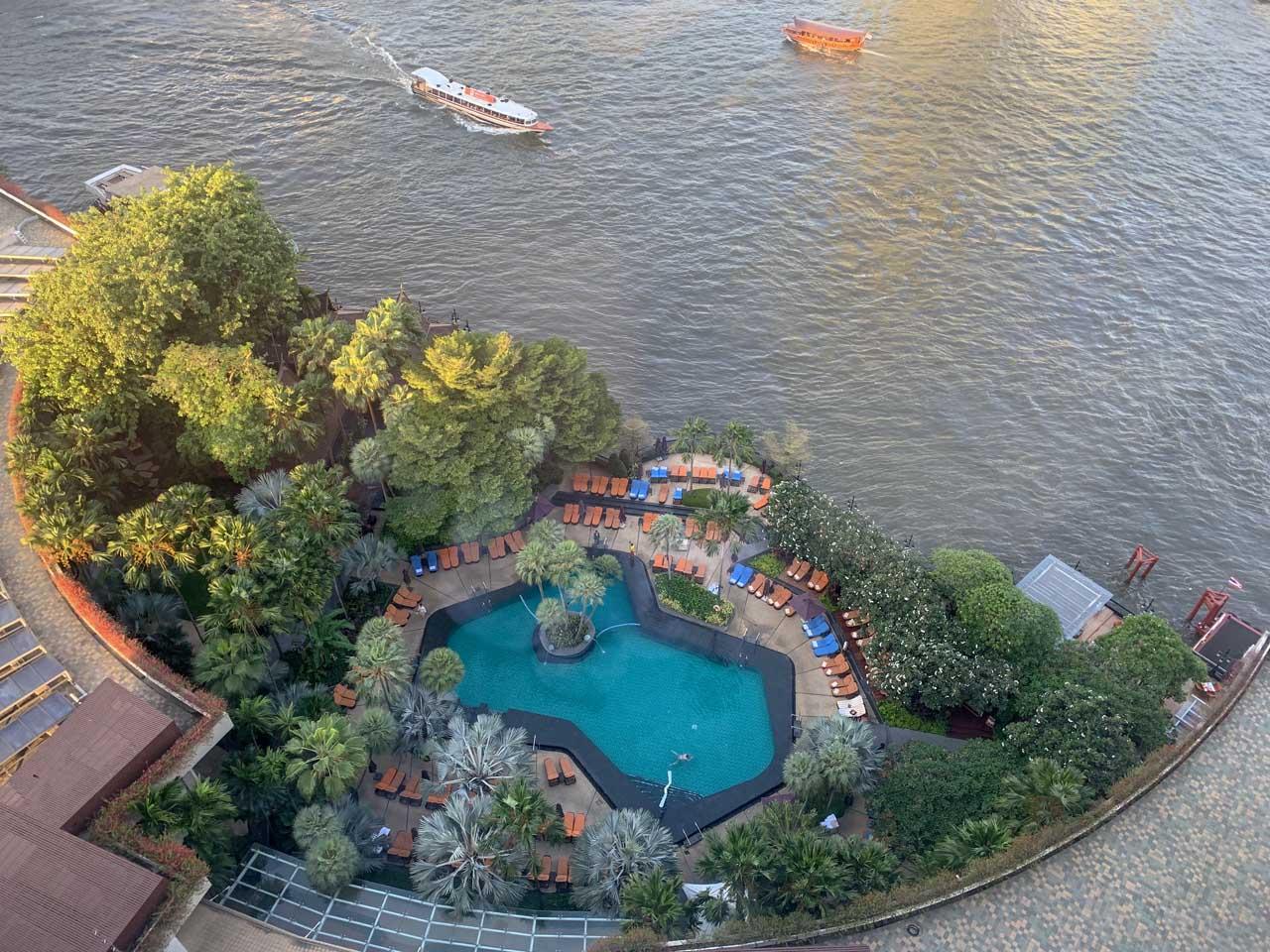 Vista do quarto para a piscina Shangri-la Bangkok