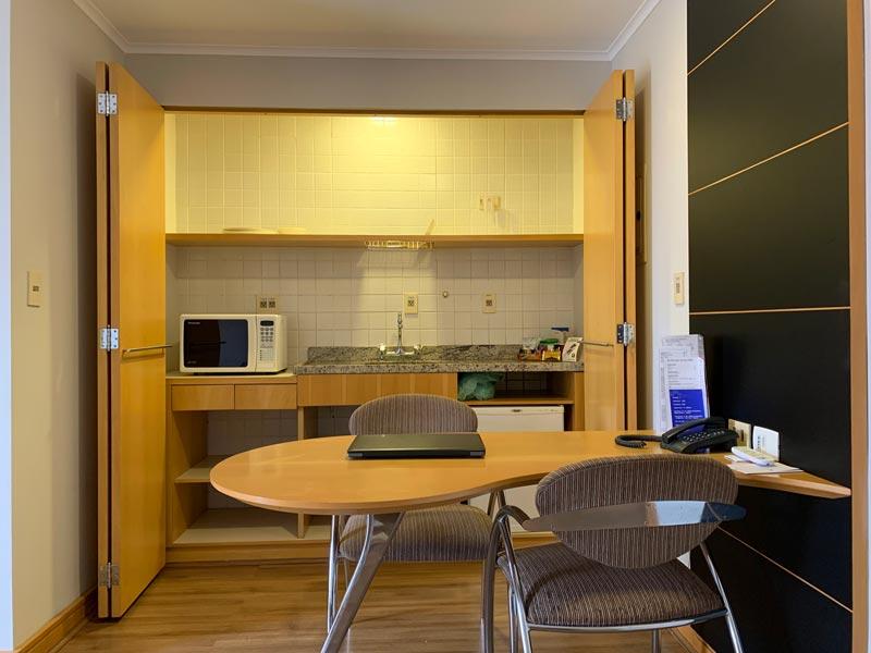 Cozinha do quarto do Hotel Transamérica Executive Moema em São Paulo