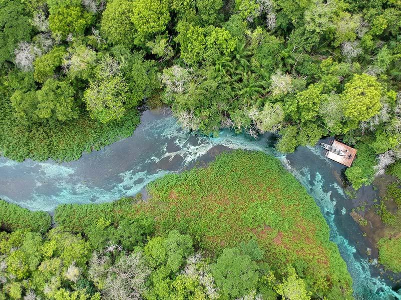 Foto aérea do Rio Sucurí passeio imperdível em Bonito MS