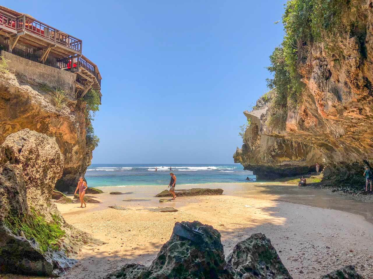 Praia do ponto azul em Uluwatu, Bali 2