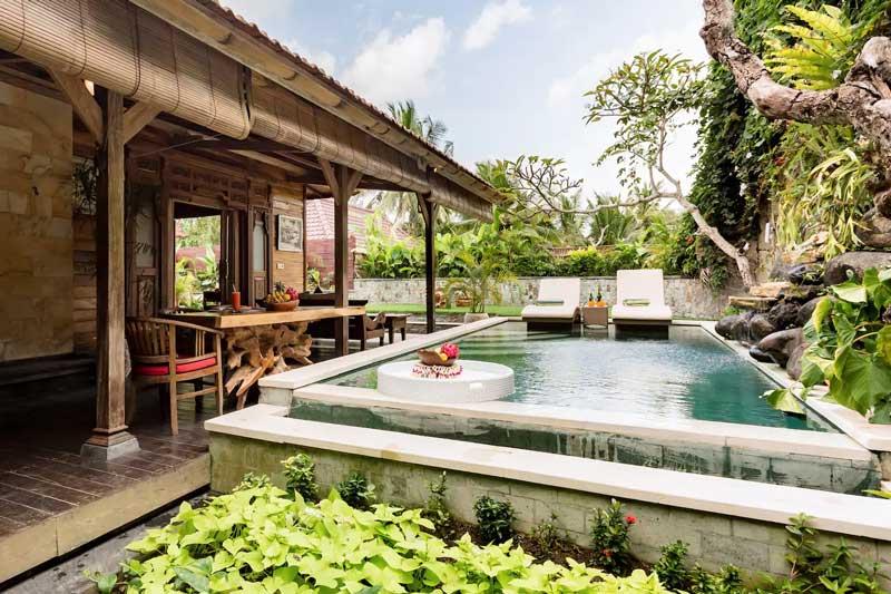 Onde ficar em Ubud: Piscina em casa do Airbnb.