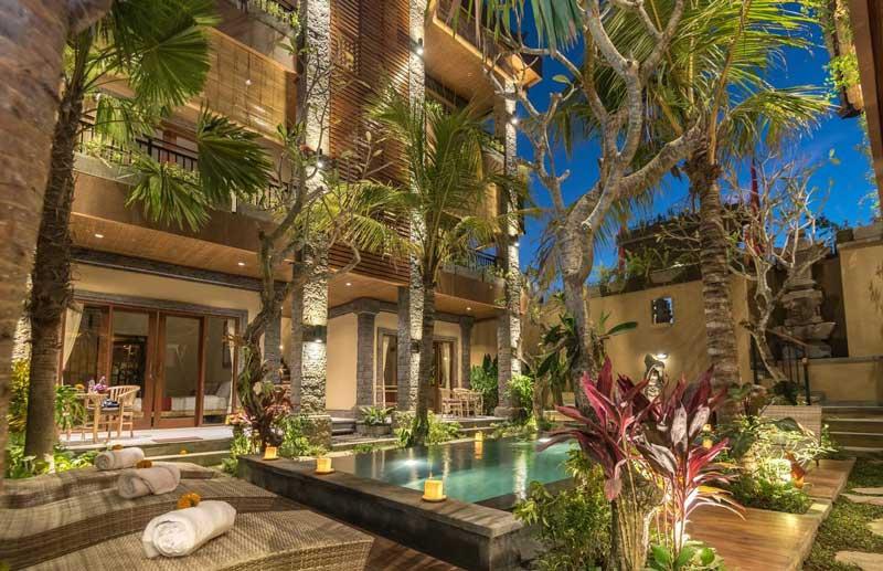 Onde ficar em Ubud: Piscina e bela área externa.