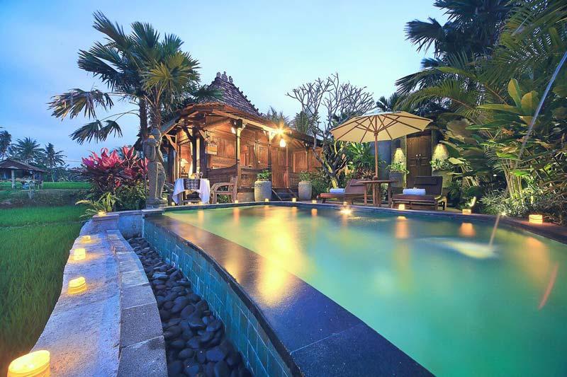 Onde ficar em Ubud: Linda piscina e quarto do Madani Antique Villas