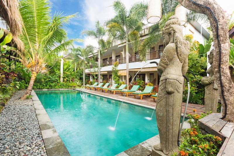 Onde ficar em Ubud: Linda piscina do Meruhdani.