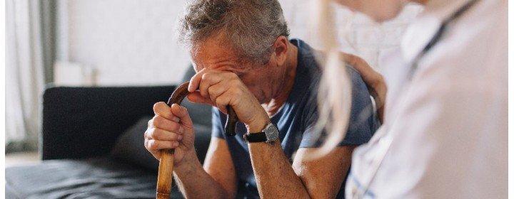 Isolamento da quarentena deixa idoso duplamente vulnerável à depressão