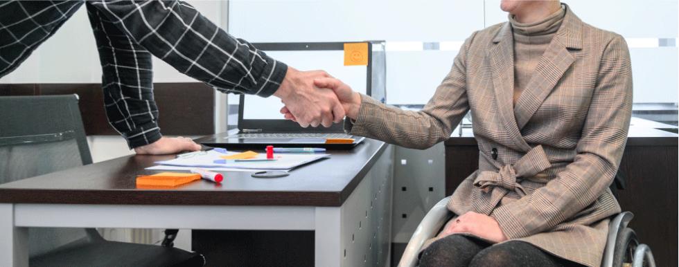 Lei do atendimento prioritário a pessoas com deficiência completa 20 anos. O que mudou desde então?