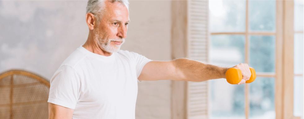 Sarcopenia em idosos: principais sintomas e tratamento