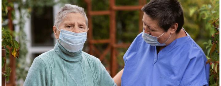 Cuidador de idoso ou um Enfermeiro: como saber quem contratar?