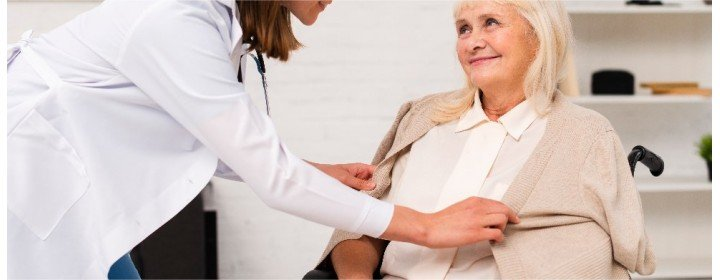 Roupas adaptadas para facilitar a vida de idosos e deficientes físicos