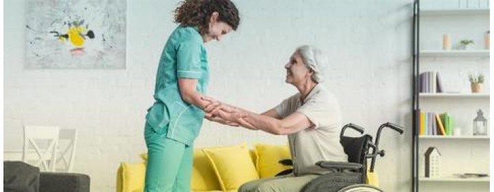 Cuidador de Idosos - Profissão em ascensão no país