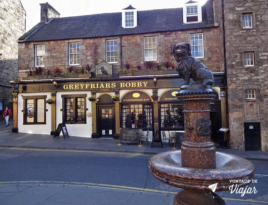 Pubs de Edimburgo - Greyfriars Bobby o cachorrinho do cemiterio de Edimburgo