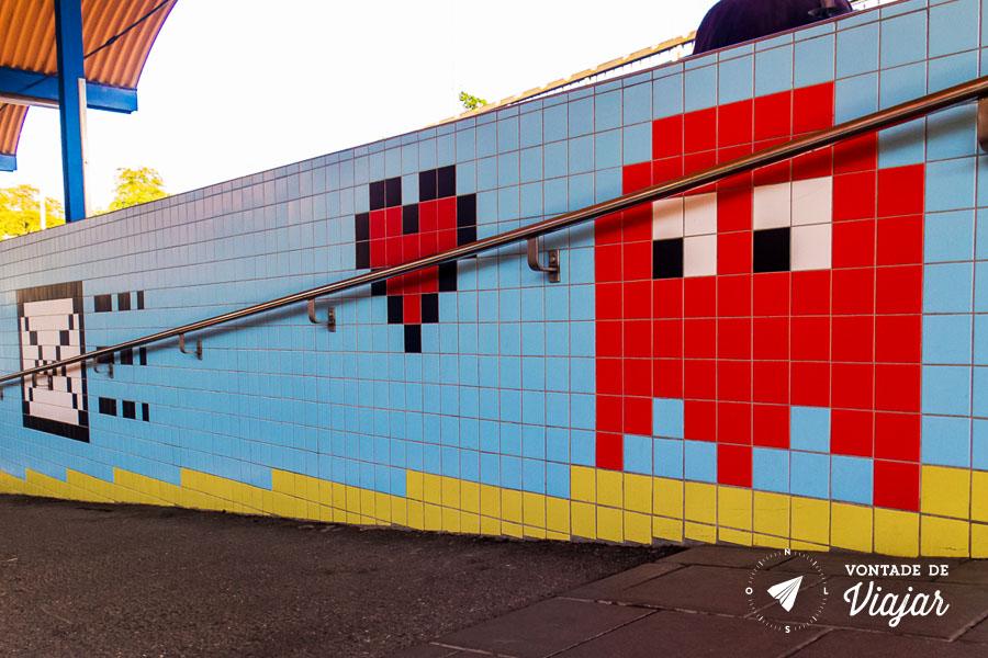Metro em 8 bits - Estacao de videogame na Suecia