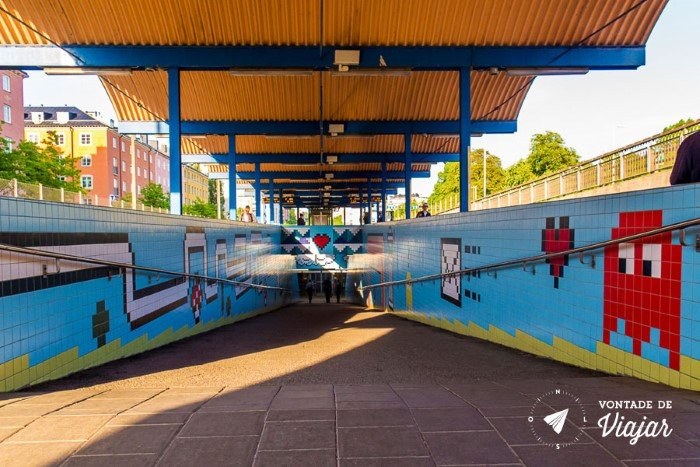 Metro em Estocolmo - Estacao de metro estilo 8 bits