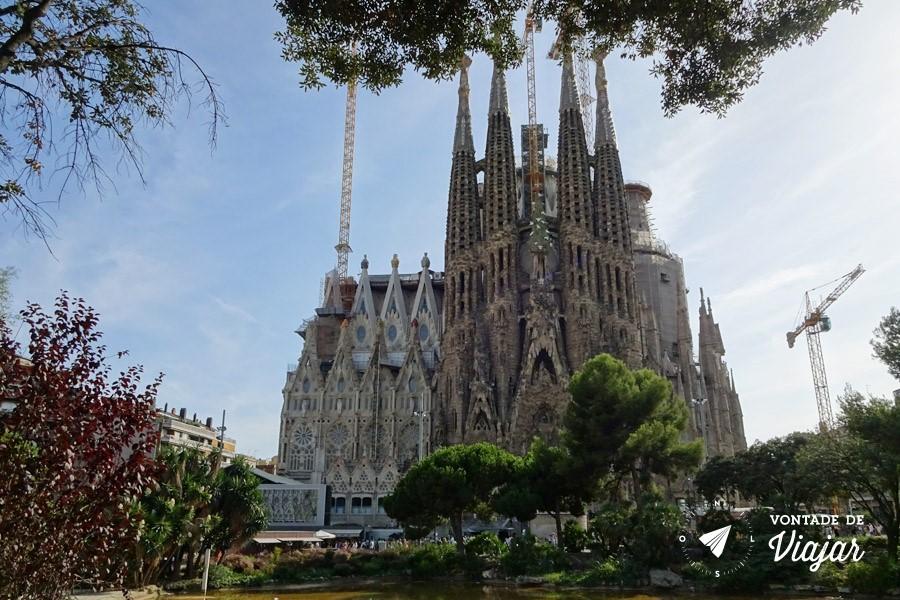 barcelona-de-gaudi-catedral-la-sagrada-familia-espanha