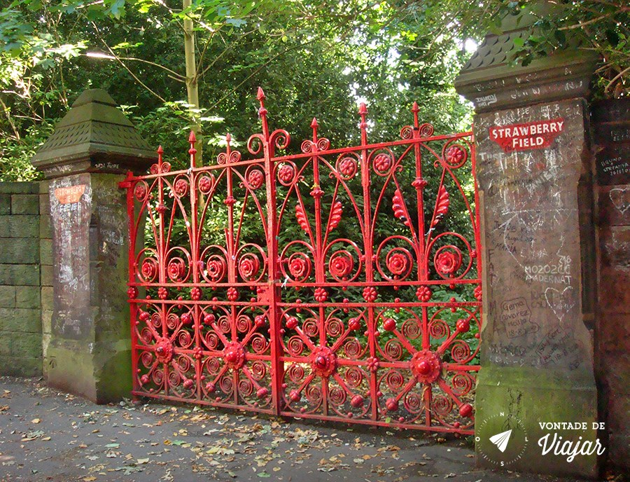 Liverpool - Portao de Strawberry Fields (blog Vontade de Viajar)