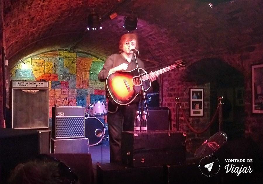 Show cover de John Lennon no Cavern Club, em Liverpool - blog Vontade de Viajar)