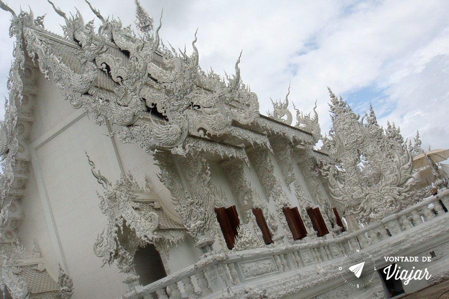 Templo Branco na Tailandia - Detalhes reluzentes