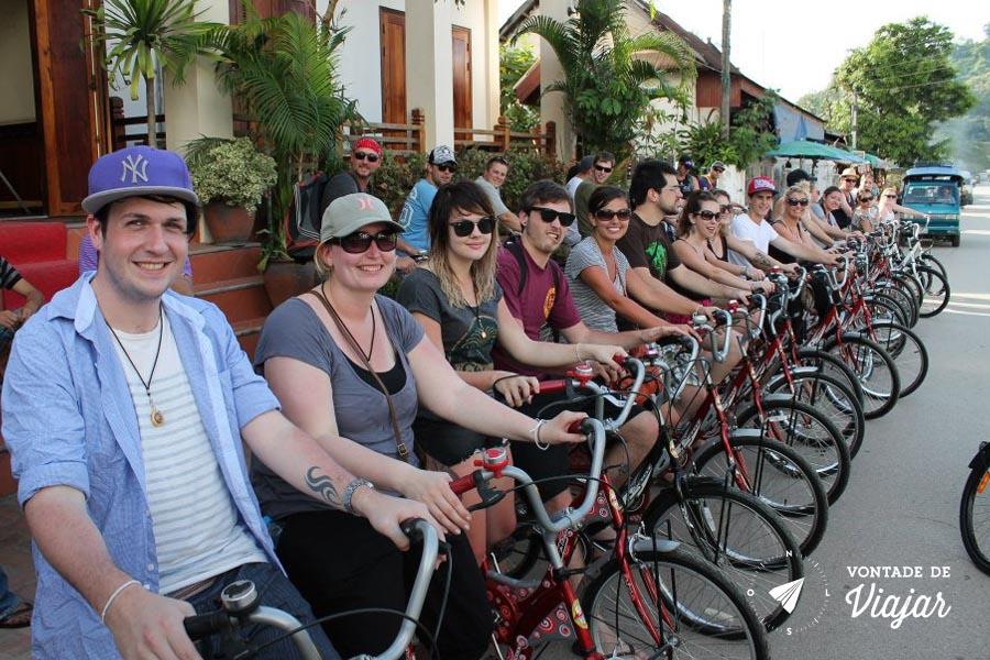 Viagem Sudeste Asiatico - Galera de bike em Luang Prabang