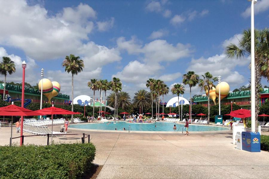 Disney - Piscina no resort Disney All Star Music
