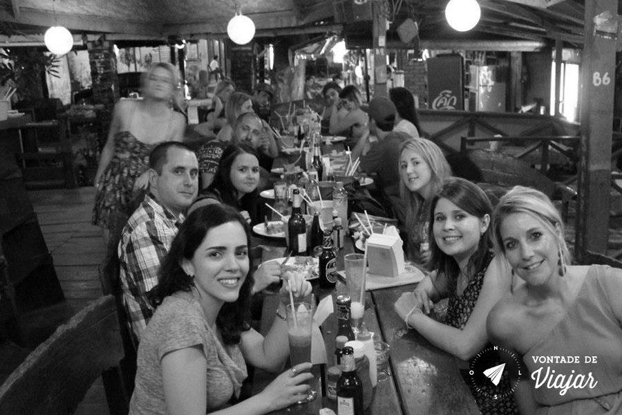 Vang Vieng Laos - Viajantes no bar