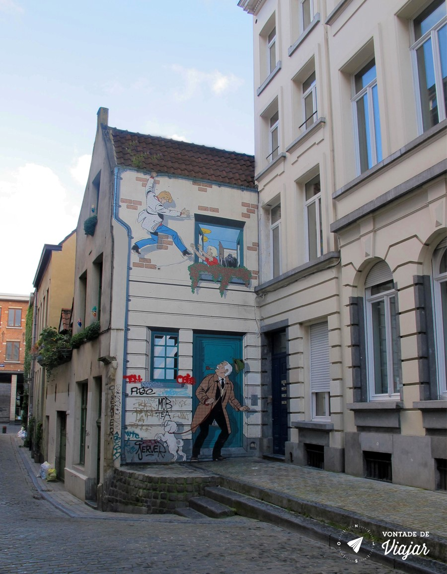 bruxelas-ric-hochet-de-tibet-duchateau-na-rue-des-bons-secours-grafite-na-janela