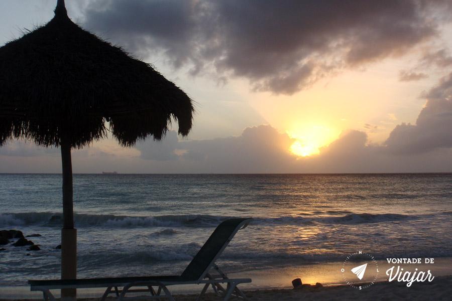 Pôr-do-sol na praia do Divi Aruba Hotel
