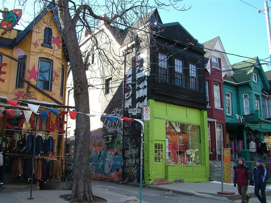 As casas coloridas que abrigam lojas do Kesington Market