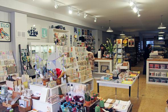 A loja de artesanato e produção gráfica Kid Icarus