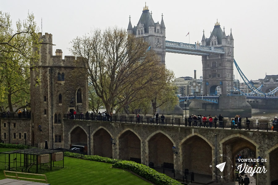 torre-de-londres-tower-bridge-ponte-vista-do-castelo