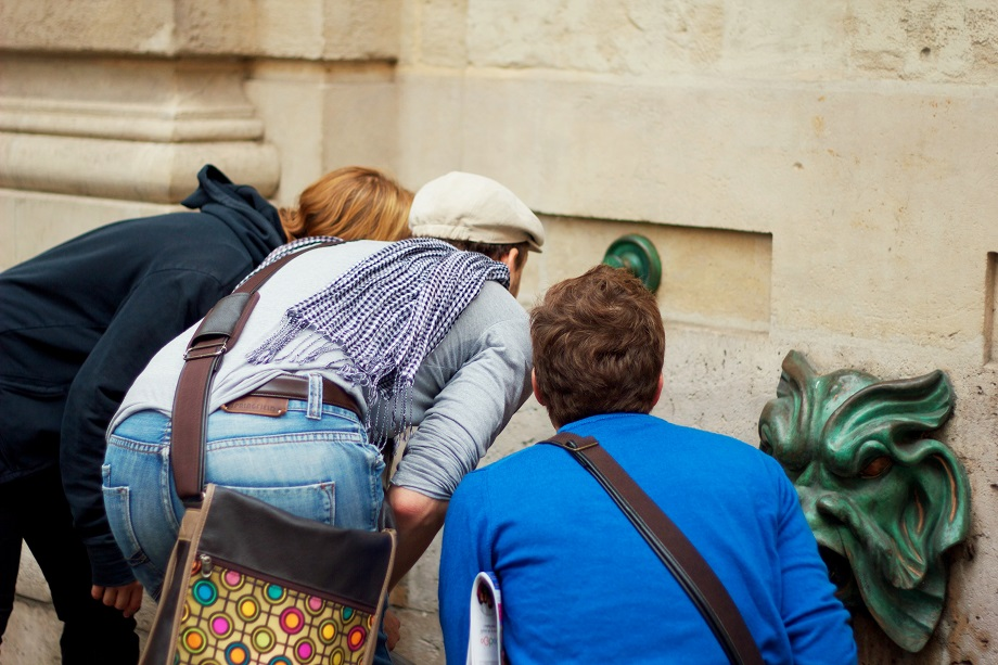 Caca ao tesouro em Paris - Em busca de pistas