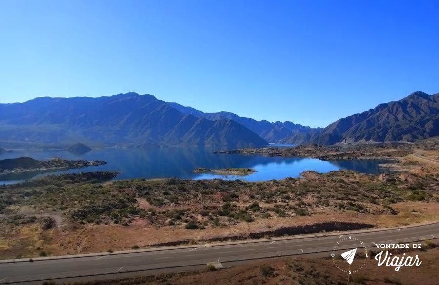 Mendoza - Paisagem da estrada