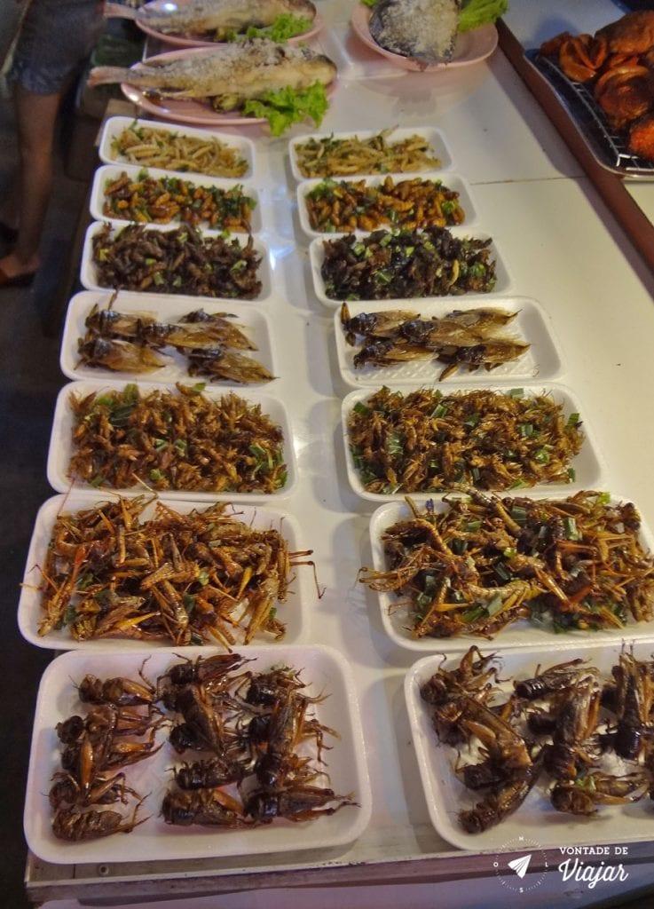 Mercados da Asia - Insetos fritos na Tailandia