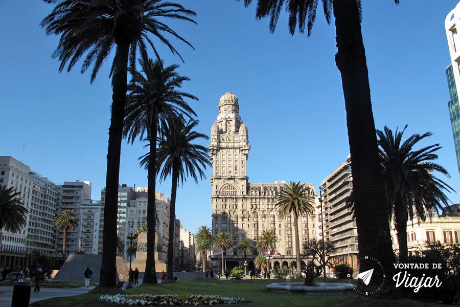 uruguai-palacio-salvo-na-plaza-independencia-em-montevideo