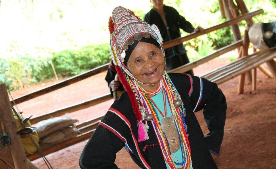 Tribos da Indochina - Ahka