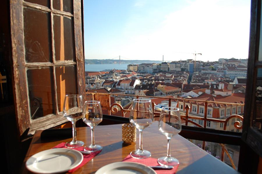 Portugal - Restaurante Chapito em Lisboa de dia