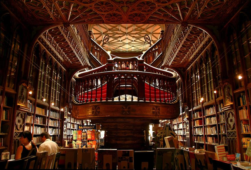 Livraria - Porto - Lello e Irmao (photo by delviking on flickr)