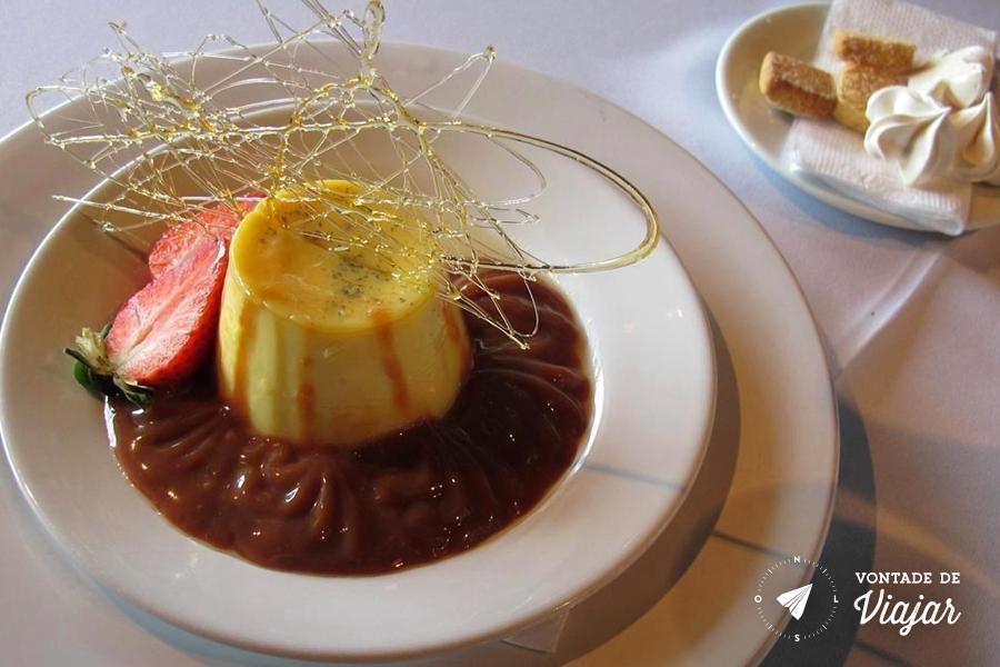 Uruguai - Bodega Bouza - Flan com doce de leite (foto do blog Vontade de Viajar)