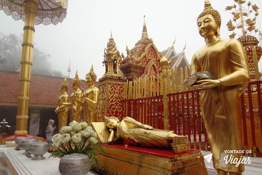 Tailandia Chiang Mai Doi Suthep - Templo no alto da montanha