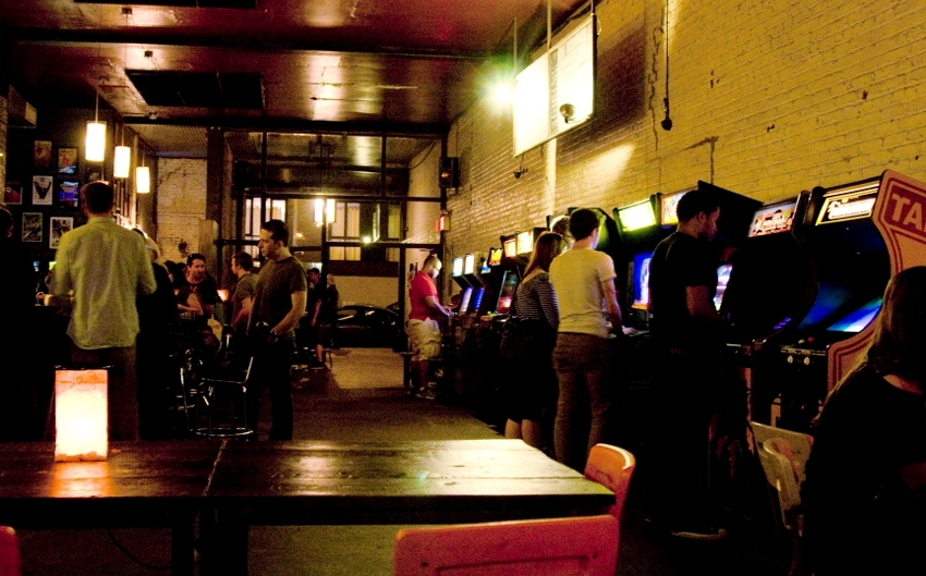 Barcade o bar com jogos arcade no Brooklyn (foto: Boston Magazine)
