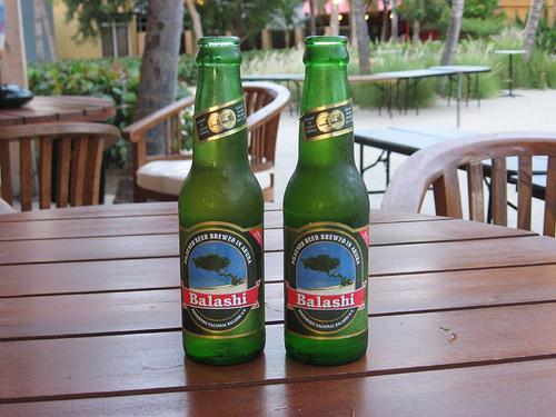 Aruba Balashi Beer - Foto Plum Deluxe