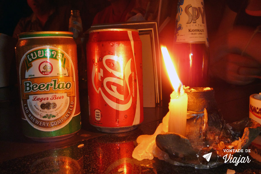 Luang Prabang - Cerveja Beer Lao e Coca Cola no bar Lao Lao Garden