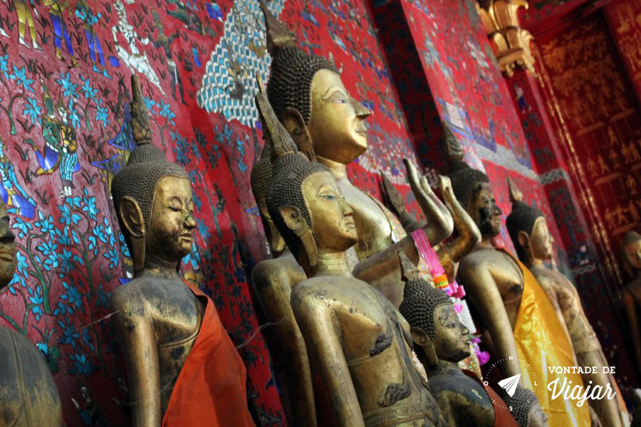 Luang Prabang - Imagens de Buda no templo Wat Xieng Thong