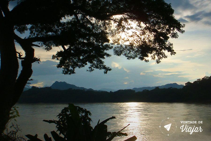Luang Prabang - Por do sol no rio Mekong