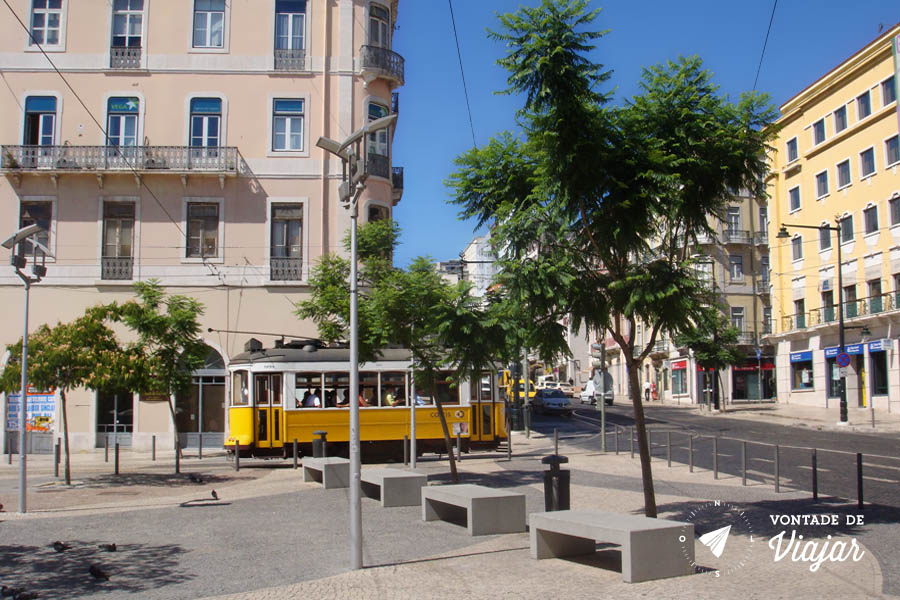 Lisboa - Bondinho e pedras portuguesas