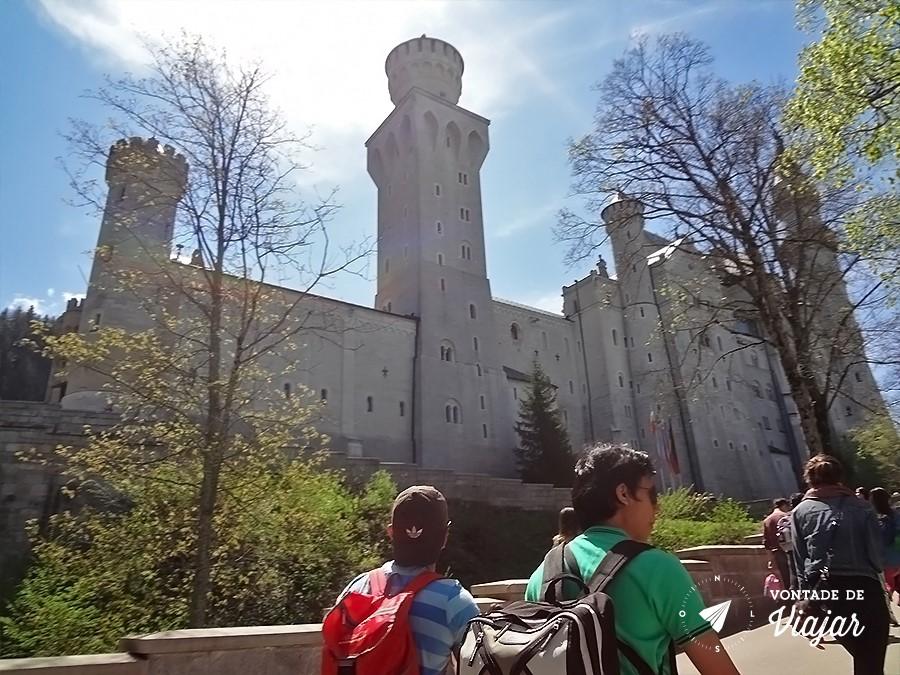 castelo-de-neuschwanstein-subida-de-40-minutos-ate-o-castelo