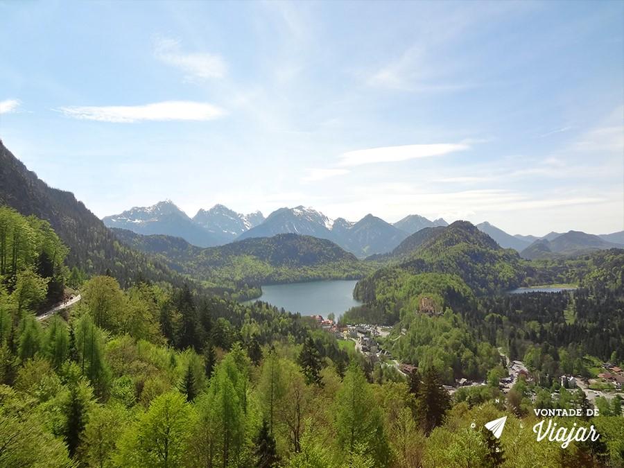 castelo-de-neuschwanstein-vista-dos-alpes-bavaros