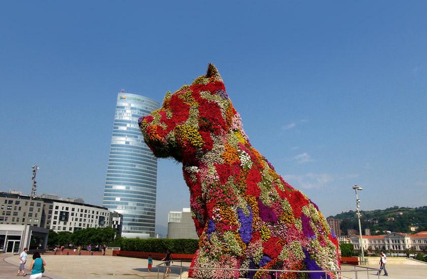 Guggenheim Bilbao - O cachorrinho de flores de Jeff Koons - Foto Solkhan
