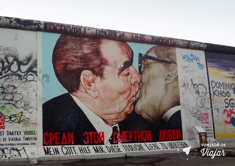 """O """"Beijo Mortal"""" depois da restauração"""