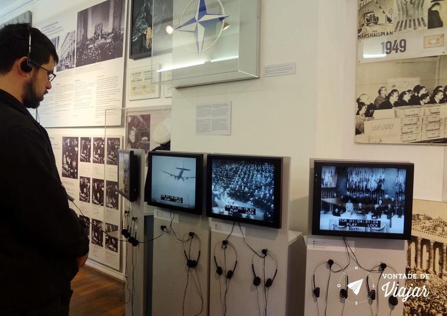 muro-de-berlim-videos-noticias-e-tentativas-de-fuga-no-mauer-museum-do-checkpoint-charlie