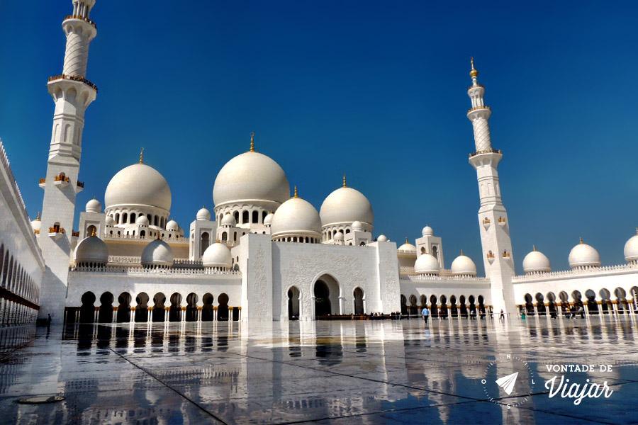 Emirados Arabes - Mesquista Sheik Zayed em Abu Dhabi - foto de Anna Carolina Levier para o blog Vontade de Viajar